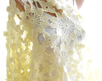 crochet ivory shawl, lace shawl, handmade shawl, bridal cover up, bridesmaids gifts,bridal shawl, wedding favor, wedding favor