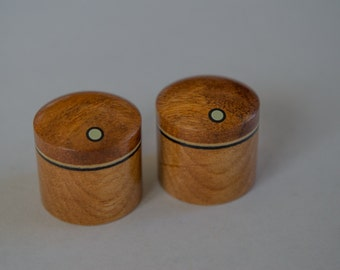 Set of 2 custom wood guitar knobs