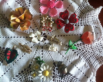 Vintage Jewelry  several Brooches,40's or 50's,old jewelry, vintage Jewelry, home and Living,