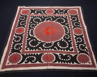 Vintage 1970's all cotton SUZANI 4'6''x 4'2''/ 137 x 126cm from SAMARKAND, Uzbekistan FREE Shipping No:005