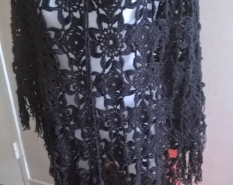 Anthracite grey shawl with fringes Bohemian