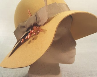 Vintage Floppy Brim Sun Hat / Sonni of San Francisco / Late 1950's, Early 1960's