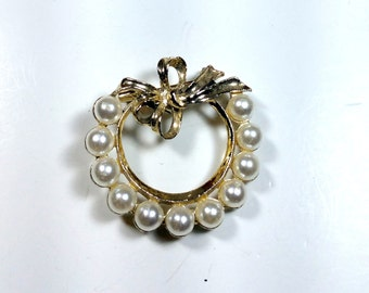 Vintage Circle Pin Faux Pearl & Gold Circle Brooch Scarf Pin