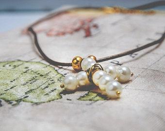 Daniella necklace. Pearl cross pendant