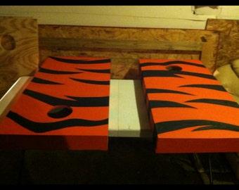 Custom or plain cornhole boards