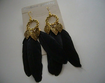 Earrings gold with black feathers