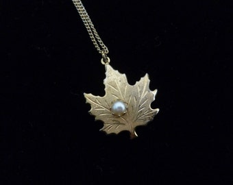 Vintage Gold Tone Autumn or Fall Maple Leaf Necklace with Faux Pearl, Gift for Her, Fall Jewelry