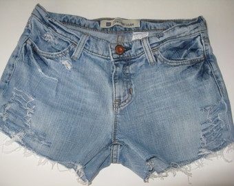 Cutt-off 90s Distressed Vintage  Shorts