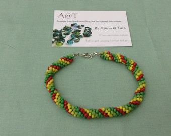 Kumihimo christmas wreath bracelet