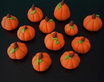 12 Fondant Pumpkins