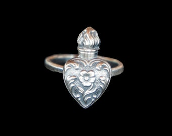 Solid Silver Antique Style Sacred Flaming Heart with Forget-me-Not Ring
