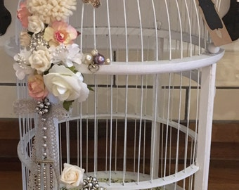 Vintage look birdcage for wedding cards