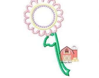 Flower monogram applique design, Flower applique