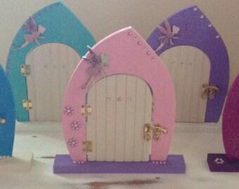 Sparkle & Glitter Fairy Doors with Fairy