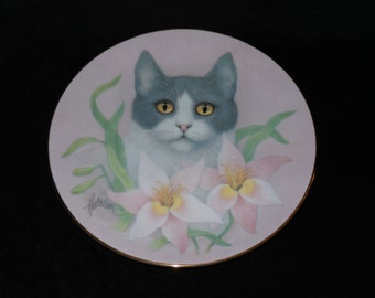 "1988 Hamilton Collection Petals and Purrs ""Pink Lilies"" Collector Plate by Bob Harrison"