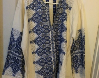 Embroidered tunic, size L/XL