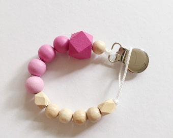 Hand-painted pacifier in Ombre-look-pink with wooden clip!
