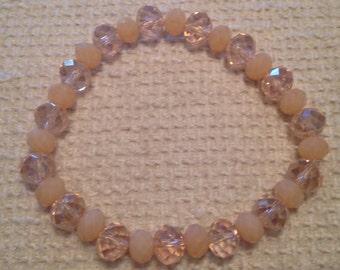 Abricot (Peach Handmade Beaded Bracelet)