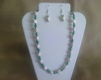 213 Pretty Howlite Stone Beads and Green Miracle Glass Beaded Choker