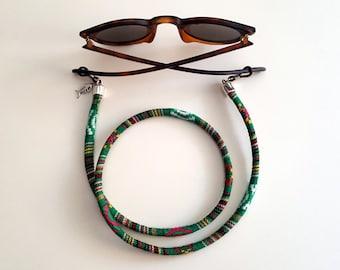 Cord hangs up goggles Loiri