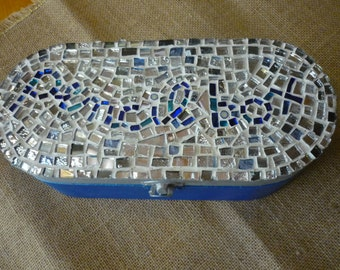 Pen holder with mosaic decoration