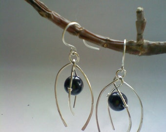 Silver earrings with onyx gemstone, double curves silver earrings, silver earrings with black onyx, handmade earrings