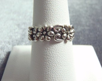 Sterling Silver Flower Band Ring RR38