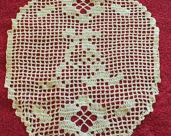 Initial in Filet Crochet