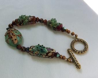 Ceramic lizard bead bracelet