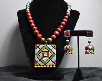 Terracotta Necklace with earnings - Red Geometric design