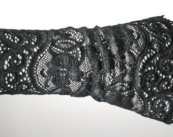 Gothic Cuff Bracelet black