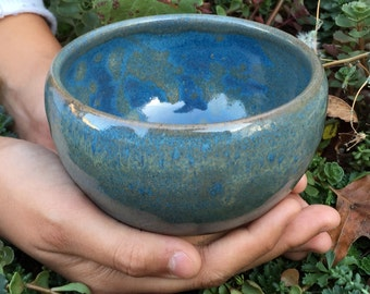 Wheel-thrown bowls, matcha bowl, rice bowl, soup bowl, side dish bowl, ice cream bowl, cereal bowl with beautiful blue and glazes.