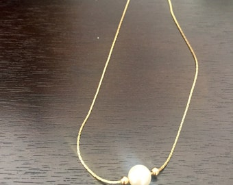 Necklace with Pearl and gold plate chain