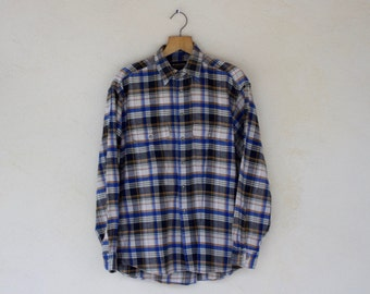 Vintage Checked Flannel Shirt - Size Medium - Large //SALE//