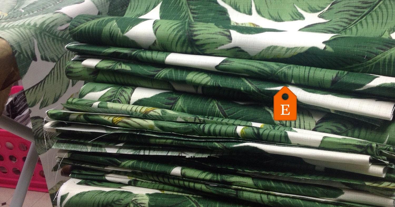 Copertura del cuscino di vendita Palm. di TwistedBobbinDesigns