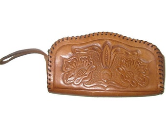 Vintage LEATHER Clutch- Brown Leather Clutch- Floral Hand Tooled Clutch- Womens Leather Wristlet- Vintage Wristlet- Vintage Gift for Her