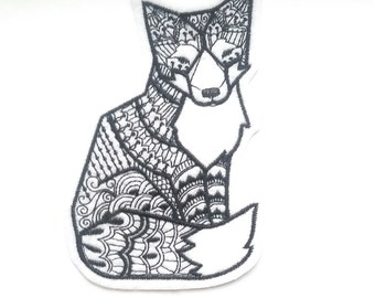 White and black fox iron on patch applique, sew on patch, embroidery, felt animal, fox patch, embroidery thread, patches for bags