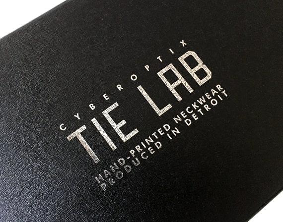 votre cravate en bo te cadeau emballage mise par cyberoptix. Black Bedroom Furniture Sets. Home Design Ideas