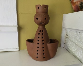 Terra Cotta Queen Planter / Strawberry Herb Pot / Chess Piece / Large / Tabletop / Mid Century