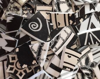 150 Mosaic Tiles Broken plate Art Supply Retro Black and White Swirl stripe Assortment Tesserae