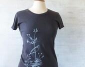 Tshirt l'oiseau T pour les femmes avec Floral graphique, coton bio et chanvre Tshirt – grand oiseau amoureux cadeau