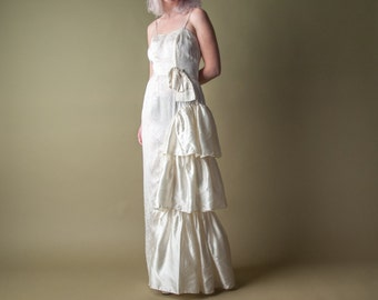 coming soon - satin ruffle wedding dress / s / 1605d