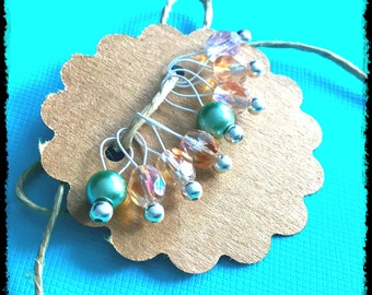 Snag Free Stitch Markers Small Set of 8 - Peach and Dusty Green Czech Glass -- K49 -- Up to size US 8 (5.0mm) Knitting Needles