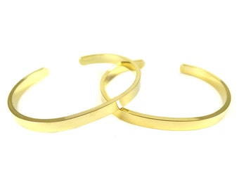 Gold Plated Round Engraving Cuff  - (1x) (K717)