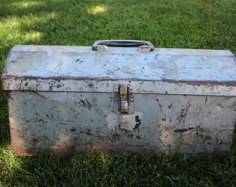 VINTAGE large rusty metal tool box