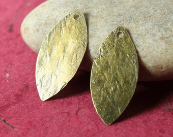 Hand hammered antique brass marquise dangle drop size 26x12mm, 2 pcs (item ID XW02790ABD)