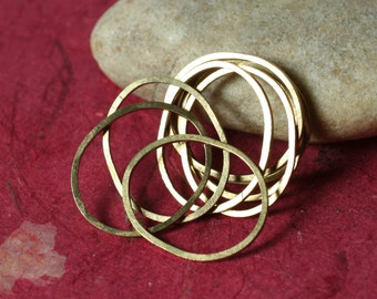 Hand hammered solid brass irregular organic oval link connector size aprox 22x17mm, 12 pcs (item ID HM20RBO)