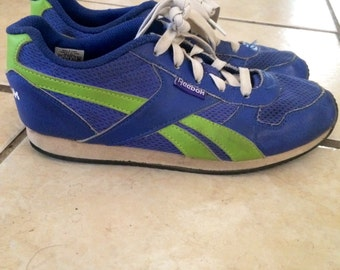 Awesome vintage 1980's Reebok sneakers... Size 6 mens 8 in womens