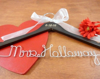Engraved Name Hanger Bride Heart Groom Brown Wood Silver Wire Wedding Photo Prop