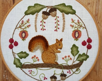 Squirrel Wreath Crewel Embroidery Pattern